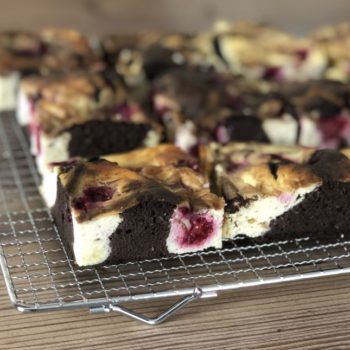 Recipe Cheesecake Brownies with Raspberries low-carb gluten-free keto