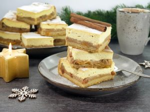 Recipe Baked Apple Christmas Cheese Cake with Stollen Base low-carb gluten-free