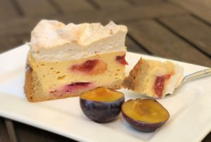 Recipe Plum Cheese Cake capped with Meringue low-carb gluten-free